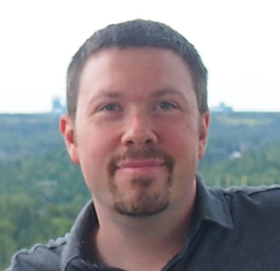 Nicolas Sarrasin, auteur du blogue de Développement personnel... avec des dents !