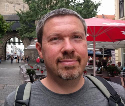 Nicolas Sarrasin, auteur du blog Développement personnel ... avec des dents!