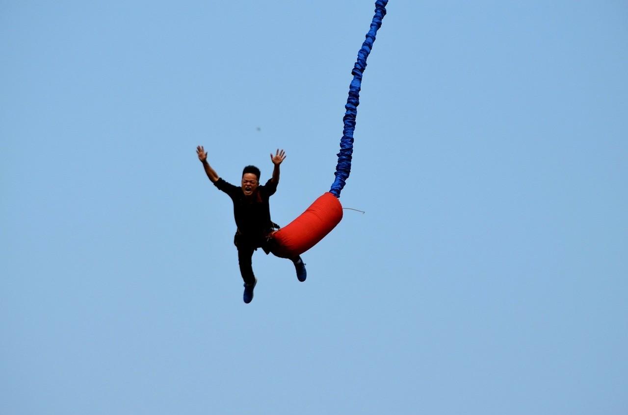 Jean-Guy Olivier: « Un saut en bungee est-il préférable à une visite de la chapelle Sixtine ? » - nicolassarrasin.com